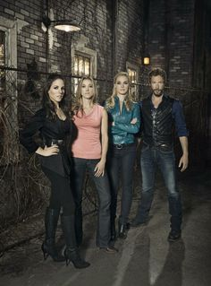 """Lost Girl"" Season 3 Photos"
