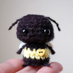 Kawaii Baby Bumblebee Mini Amigurumi by twistyfishies on Etsy.........No directions available...but soooo cute !