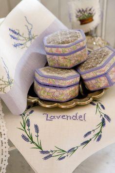 Lavendel in Kreuzstich Design : Gerlinde Gebert Shop: www.gebert-handarbeiten.de