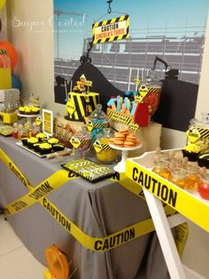 Construction Site Theme Party via baby shower ideas and shops. So many fun ideas for a perfect for Construction Baby Shower Party! Baby Shower Table, Unique Baby Shower, Baby Shower Favors, Shower Party, Baby Shower Parties, Baby Shower Themes, Baby Boy Shower, Construction Birthday Parties, Construction Party