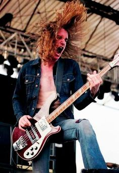 One of the best bass players ever!! Metallica just hasn't been the same since he died.... --Pia (cliff burton)