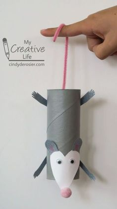 Paper roll opossum craft for kids Toilet Paper Roll Crafts, Paper Crafts For Kids, Cardboard Crafts, Baby Crafts, Toddler Crafts, Projects For Kids, Paper Crafting, Diy For Kids, Cardboard Playhouse