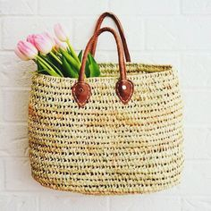 NATURAL BASKET WITH LEATHER HANDLES Leather Handle, Straw Bag, Interior Decorating, Bags, Baskets, Lifestyle, Decoration, Natural, Fashion