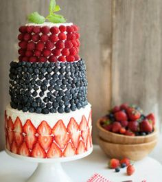 tiered cake | Tumblr