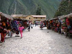 Evolving Communities: Who and What Make Change? (Peru) - Photos by Stephanie Gilbert