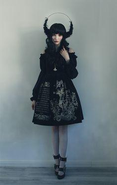 Dress: Juliette et Justine Blouse: Krad Lanrete Shoes & Necklace: Vivienne Westwood