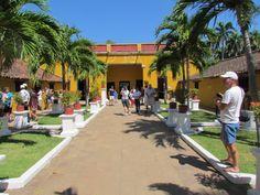 Quinta De San Pedro Alejandrino: fue construida hace 400 años. Hoy en día es el museo, donde se puede revivir la época y conocer los hechos que rodearon la permanencia del libertador Simón Bolívar. Santa Marta, Colombia