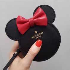 Kate Spade NY to release Minnie Mouse collection in March to.- Kate Spade NY to release Minnie Mouse collection in March to celebrate - Disney Merch, Disney Apparel, Disney Shirts, Purses And Bags, Lv Bags, Disney Collection, Cute Bags, Disney Outfits, Disney Fashion