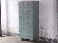 Vintage Industrial Metal Lockers - These metal lockers are truly delightful and will quickly add style to any room in your home. What a great storage solution! Hallway Cabinet, Hallway Storage, Storage Spaces, Locker Storage, Hallway Furniture, Living Room Furniture, Living Room Decor, Vintage Lockers, Metal Lockers
