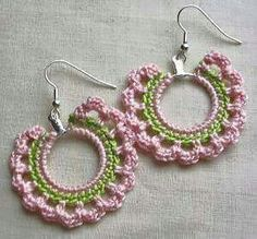 Crochet and Knitting Crochet Earrings Pattern, Crochet Jewelry Patterns, Bead Crochet, Crochet Accessories, Crochet Designs, Jewelry Crafts, Handmade Jewelry, Crochet Videos, Crochet Gifts