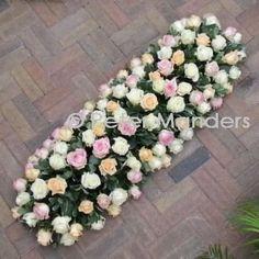 rouwarrangement - 89 kistbedekking rozen