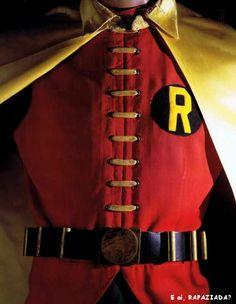 Vintage super hero costumes :D Original costumes worn by Adam West (Batman) Burt Ward (Robin) Yvonne Craig (Batgirl) Michelle Pfeiffer (Catwoman) Christopher Reeve (Superman) &Lynda Carter (Wonder Woman). Adam West Batman, Christopher Reeve Superman, Batman 1966, I Am Batman, Batman Robin, Batman Story, Nightwing, Batgirl, Catwoman