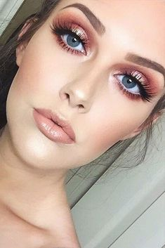 Holiday makeup looks; promo makeup looks; wedding makeup looks; makeup looks for brown eyes; glam makeup looks. Rose Gold Makeup Looks, Blue Eye Makeup, Gorgeous Makeup, Nude Makeup, Rose Gold Eyeshadow Look, Makeup Looks Blue Eyes, Spring Eye Makeup, Bridal Makeup For Blue Eyes, Metallic Makeup