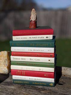 Purple Books, Green Books, Etsy Christmas, Christmas Books, Book Centerpieces, Modern Books, Vintage Nursery, Cottage Chic, Vintage Books