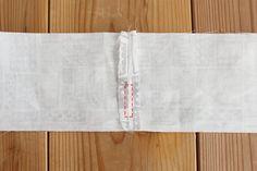 タック入りサーカスパンツの製図・型紙と作り方 | nunocoto fabric Linen Pants, Fabric, Dressmaking, Tejido, Tela, Cloths, Fabrics, Tejidos, Linen Trousers