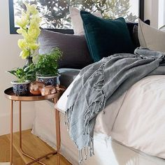 Our best selling Lynette Cushion in Ocean looks divine paired back with this Knotty Throw! Styled by the talented Sacha Kann for the recent Knotty Home Shoot. www.eadielifestyle.com.au