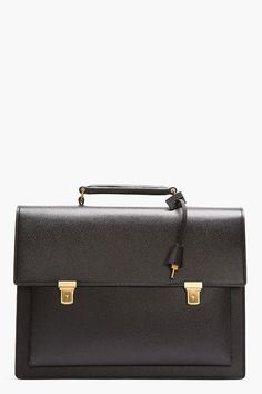 4f5516c37357 18 Classic and Elegant Black Bags for Sophisticated Look - Style Motivation