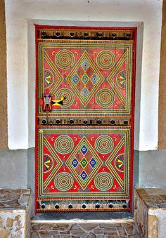 Beautiful door from Yanbu, Saudi Arabia Cool Doors, The Doors, Unique Doors, Entrance Doors, Doorway, Windows And Doors, Knobs And Knockers, Door Knobs, Door Handles