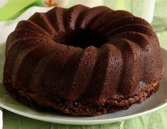 Μια πανεύκολη και γρήγορη συνταγή για έναυπέροχο νηστίσιμο κέικ σοκολάτας.Ένα πεντανόστιμο κέικ,θρεπτικό και πολύ πλούσιο σε γεύση, αφράτο και με