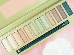 Palette de fards à paupières Saharian Colors - Adopt' by Réserve Naturelle #blog #beauté #blogbeauté #beauty #beautyblog #beautyblogger #bblogger #maquillage #makeup #tuto #nude #yeux #teint #lèvres #palette #fardàpaupières #SaharianColors #adopt #RéserveNaturelle #adoptbyRN #revue #test #avis #swatch http://mamzelleboom.com/2015/07/30/tutoriel-maquillage-princesse-du-desert-le-kaki-en-version-nude-avec-la-palette-de-fards-a-paupieres-neutres-saharian-colors-d-adopt-by-reserve-naturelle/