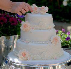 vintage weddingcake/trouwtaart wit