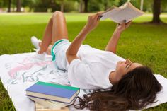 Summer Reading List! - Check out our must-reads on the blog now! #styledsweet #laurenjames