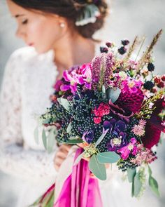 Color Love <3 . . Coordinator and Stylist @pompomyourlife  I Flowers @milles_fleurs_  I Cake and Catering @mundus_hannover I Hair and Make up @riasaage I Weddings dress @sioedam_couture I Papeterie @nicnillasink | Model @inabambina_33 . . . #lace #lacedress #bridaldress #weddingdress #bridaltrends #photography #photographer #instawedding #instabride #weddingtrends #weddingcouture #weddingphotography #weddingphotographer #hochzeitsfotografie #internationalweddingphotographer…