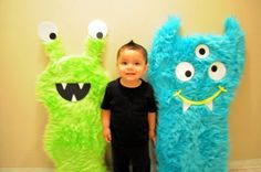 how to make a photo booth - with a monster theme! ABSOLUTELY love this!!! I think Brandon can make these if I can find some CHEAP fabric!