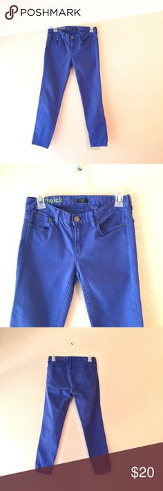 J Crew Toothpick blue cropped ankle Denim Jeans 25 Blue colored pants from J Crew in the Toothpick fit. These are cropped ankle jeans with a skinny leg fit. Blue colored with some fading. The fading just makes them look cooler in my opinion! Size 25. J. Crew Jeans Ankle & Cropped