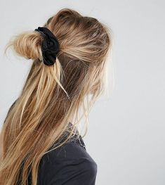 Messy hair for a casual day #hairstyle #scrunchies
