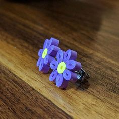19 Quick Paper Quilling Ideas For Beginners Quilling Studs, Paper Quilling Earrings, Paper Quilling Cards, Paper Quilling Tutorial, Quilled Paper Art, Paper Quilling Designs, Quilling Paper Craft, Quilling Flowers, Quilling Patterns