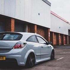killin' it. photo: @seanmitchell_x  #hxrny #hxrnygäng  http://shop.hxrny.de ---------------------------------------------------- #stanceworks #wheelwhores #cambergang #stancenation #stance #fitment #static #low #lowered #lowlife #stanced #bagged #becauseracecar #slammed #volkswagen #mercedes #loweredlifestyle #slammedenuff #royalstance #benz #audi #airride #illest #canibeat #simplyclean #vauxhall #lifestyle #bagriders