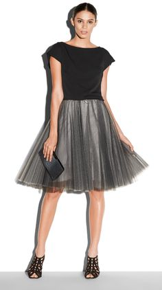 MILLY Layered Tulle Skirt, Sophia Silk Crepe Crop Top and Bree Python Small Framed Clutch #millyholiday #millymoment