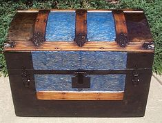 Antique Trunks Flat Top or Dome Top with a Shadow Box and Steamer Trunks Make the perfect military retirement gifts for military promotions, enlisted or officer. Store uniforms, flags, militaria and mementos and uniforms, or used in a family heirloom treasures
