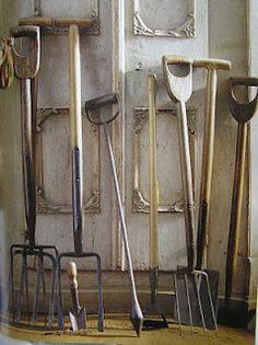 5 Alert Cool Tricks: Garden Tool Storage Front Porches garden tool sheds porches. Old Garden Tools, Garden Power Tools, Farm Tools, Old Tools, Gardening Tools, Garden Sheds, Organic Gardening, Vintage Gardening, Allotment Gardening