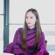 💜💜💜 . . . #Krystal #krystaljung #krystalfx #soojung #jungsoojung #krystalized #fx #MeU Krystal Jung, Krystal Sulli, Jessica & Krystal, Jessica Jung, South Korean Girls, Korean Girl Groups, Girls Group Names, Fashion Idol, Rhythm And Blues