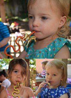 love and lion: DIY animal straws - NOAH'S ARK 2 X 2 BIRTHDAY PARTY