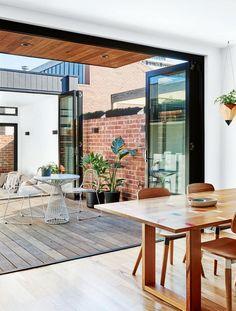 courtyard-open-plan-Bienias-home-jan16