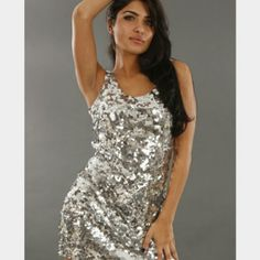NWT SILVER SEQUINE DRESS SIZE SMALL NEW SEQUINE SILVER DRESS Dresses Mini