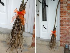DIY Halloween Witch broom out of a branch and twigs. I have enough trees in my yard to gather branches and twigs to make 2 of these to put on either side of my porch. I just will need some pumpkins and a few Halloween wreath to make the look complete. Costume Halloween, Diy Halloween, Outdoor Halloween, Holidays Halloween, Happy Halloween, Halloween Decorations, Halloween Clothes, Halloween Pumpkins, Hallowen Ideas