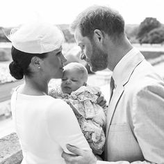 Meghan Markle and Prince Harry's Son Has Christening at Queen's Private Chapel - Archie's Big Day! Meghan Markle and Prince Harry's Son Has Christening at Queen's Private Chap - Prince Charles Et Camilla, Prince Harry Et Meghan, Meghan Markle Prince Harry, Harry And Meghan, Princess Diana Sisters, Princess Meghan, Real Princess, Elizabeth Ii, Kate Middleton