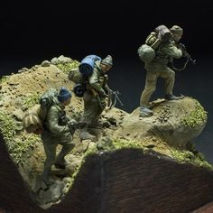 By Alexey Zemlyansky (de_grivois). Military Action Figures, Scale Art, Wargaming Terrain, Military Modelling, Military Diorama, Figure Model, Modern Warfare, Toy Soldiers, Special Forces