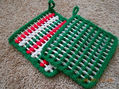 Christmas hot pads made from recycled pop tabs. $7.00, via Etsy.