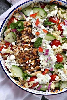 Greek Chicken Orzo Power Bowls are perfect for lunch or dinner. They are super easy to make and packed with delicious ingredients. These bowls are ideal for meal prep and are freezer friendly! - Time To Lunch Clean Eating, Healthy Eating, Healthy Meal Prep Lunches, Tasty Healthy Meals, Salads For Lunch, Salad Recipes Healthy Lunch, Healthy Weeknight Dinners, Taco Salads, Work Lunches