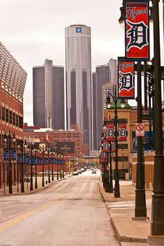 Renaissance Center at the foot of Woodward & Jefferson, Detroit, MI. Detroit Lions at Ford Field (on left) and Detroit Tigers at Comerica Park (on right). Detroit Rock City, Detroit Sports, Detroit Area, Detroit Downtown, Detroit Baseball, Baseball Teams, Tigers Baseball, Nfl Sports, Kansas City