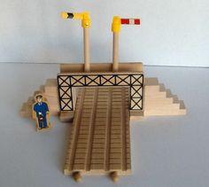 Pedestrian Bridge Thomas & Friends Wooden Railway 2 Staircases Flags Workman