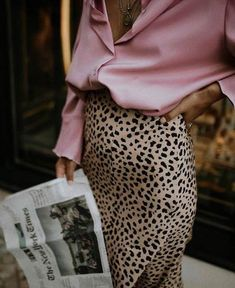 Leopard Skirt Outfit + Silk Clothes Look + Fashion for Fall 2018 + Biggest trends current Fashion Moda, Look Fashion, Fashion Beauty, Autumn Fashion, Womens Fashion, Classy Fashion, Couture Fashion, Trendy Fashion, Feminine Fashion
