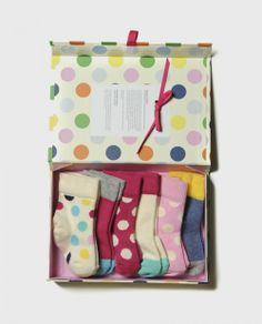Happy Socks are meant to inspire happiness in all who wear them! Carefully crafted in Sweden on specially made Italian machines, this ultra high-quality footwear is made using soft combed cotton. Each box set gives $7 to the cause of the week!
