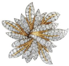A Van Cleef & Arpels diamond brooch in gold, designed as a stylized flowerhead set with approximately 20 carats of brilliant cut diamonds, with textured gold accents. Diamond Brooch, Diamond Jewelry, Gemstone Jewelry, Bijoux Van Cleef And Arpels, Trendy Fashion Jewelry, Antique Brooches, Fantasy Jewelry, Gold Flowers, Flower Brooch