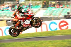 Hopper jumps the Mountain at Cadwell.